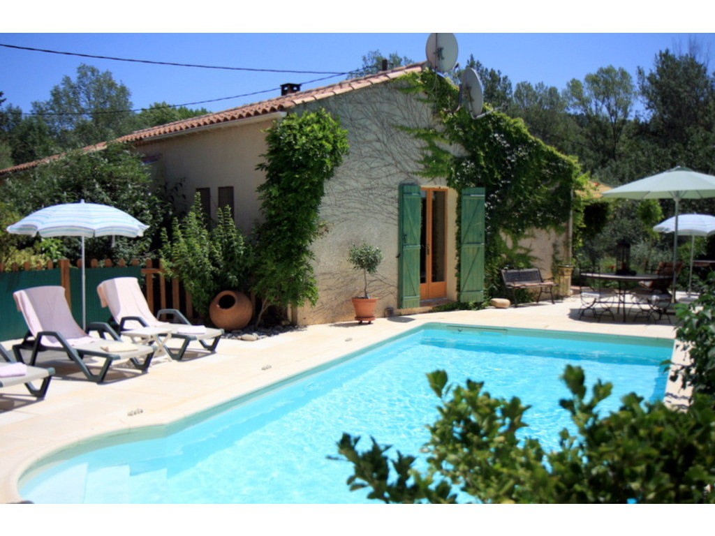 Location maison ind pendante 6 personnes apt colorado lub ron for Villa 6 personnes piscine location vacances montauban