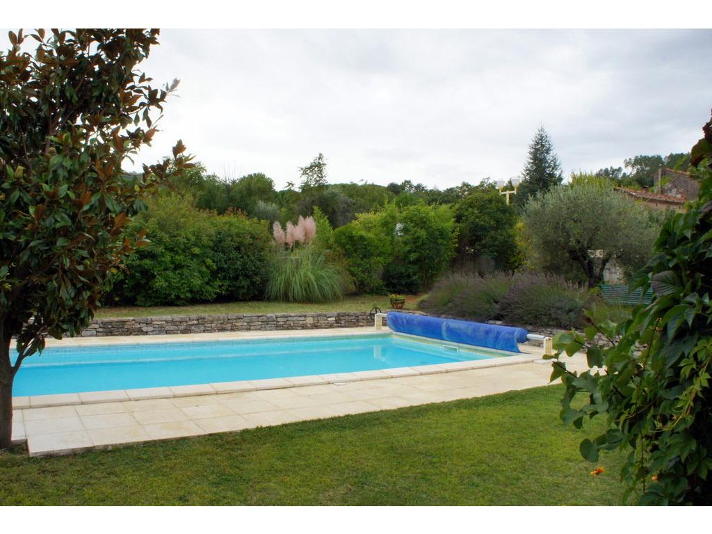 Location maison ind pendante 6 personnes anduze for Location maison dans le sud avec piscine