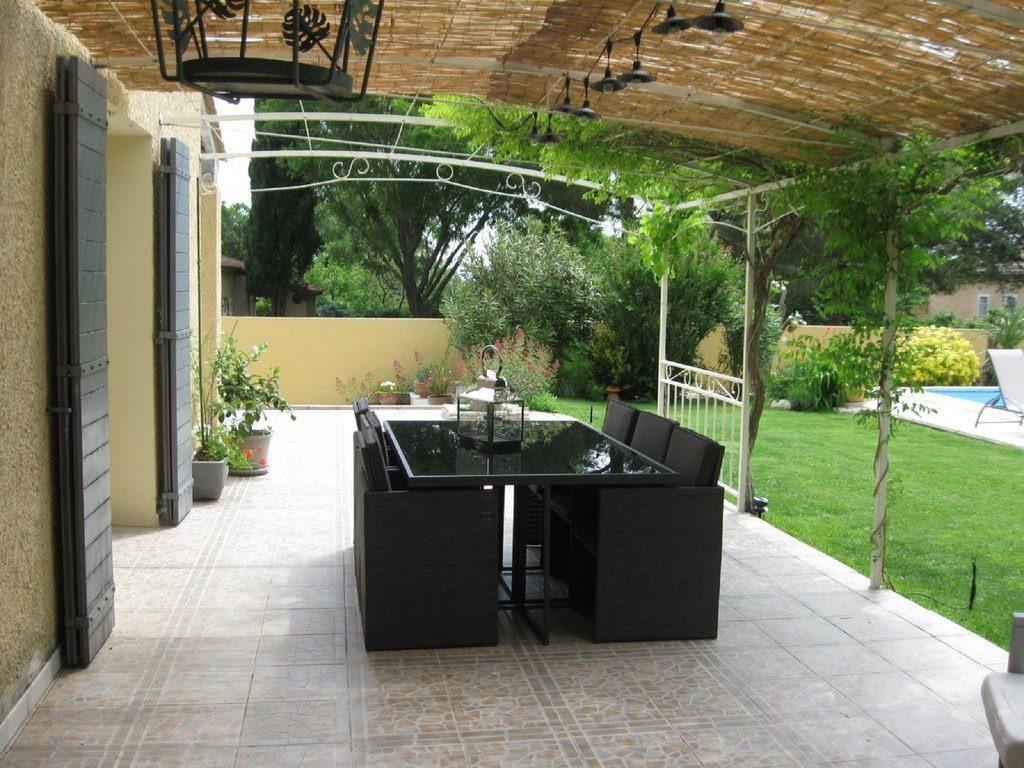 Maison caumont vintagesjpg coussins en chanvre et tissus for Location piscine privee paris