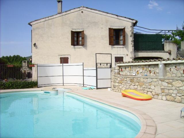 Location maison vacances provence et sud france vacances for Location alpes de haute provence avec piscine
