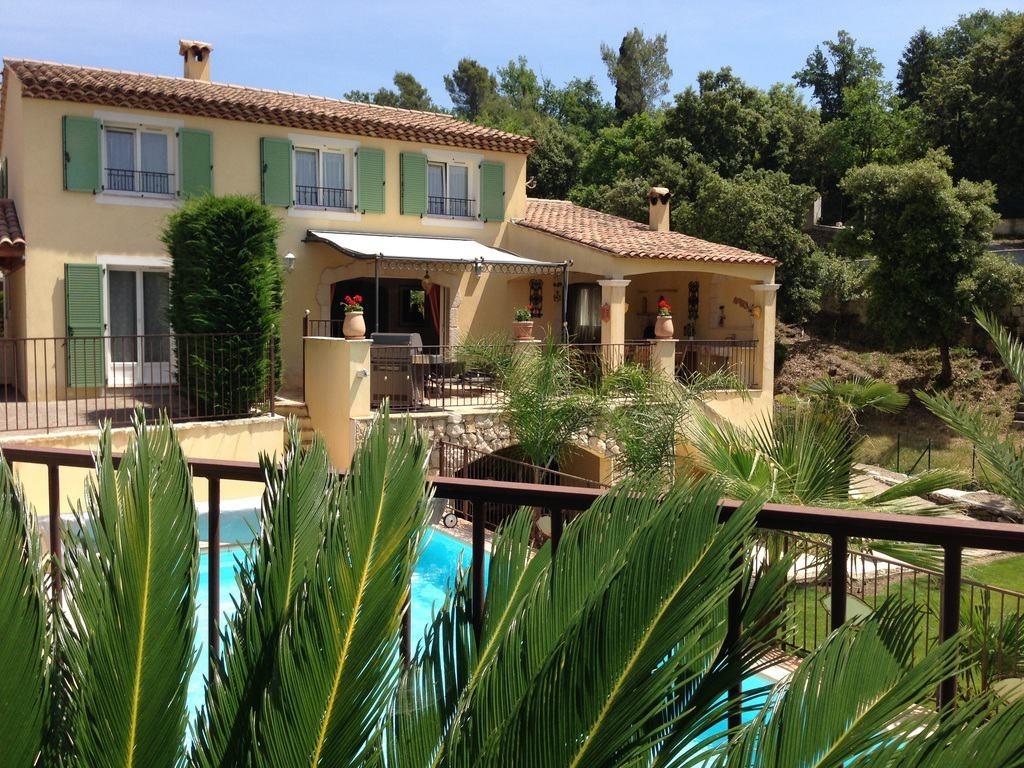 Location maison vacances provence et sud france vacances for Location villa cote d azur piscine